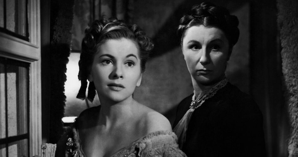 """Joan Fontaine i Judith Anderson w filmie """"Rebeka"""" (reż. Alfred Hitchcock, 1940)"""