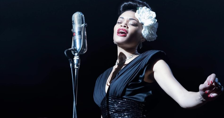 "Andra Day w filmie ""Billie Holiday"" (reż. Lee Daniels, 2021)"