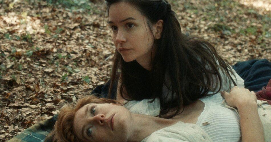 """Vanessa Kirby i Katherine Waterston w filmie """"Świat, który nadejdzie"""" (reż. Mona Fastvold, 2020)"""