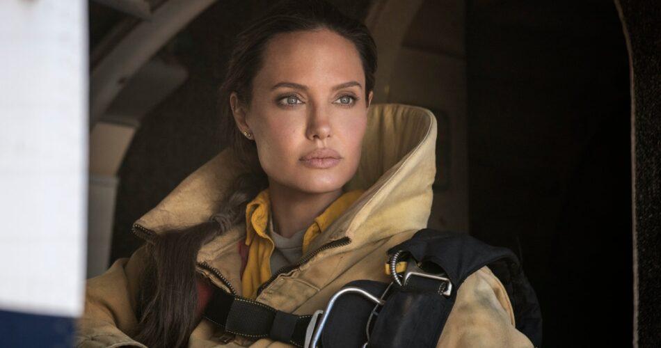 """Angelina Jolie w filmie """"Ci, którzy życzą mi śmierci"""" (reż. Taylor Sheridan, 2021)"""