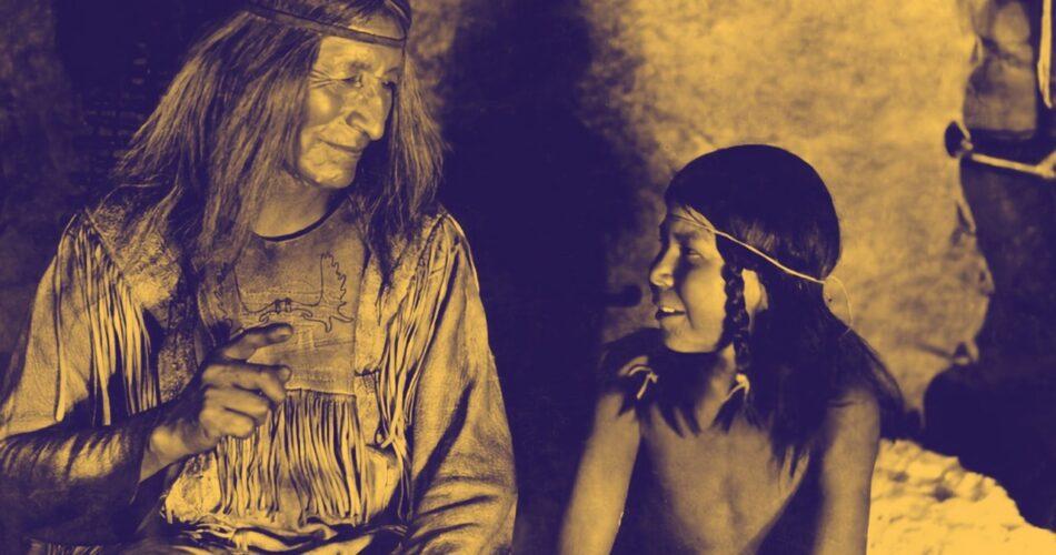 """Chief Yellow Robe i Cheeka w filmie """"Milczący wróg"""" (reż. H. P. Carver, 1930)"""