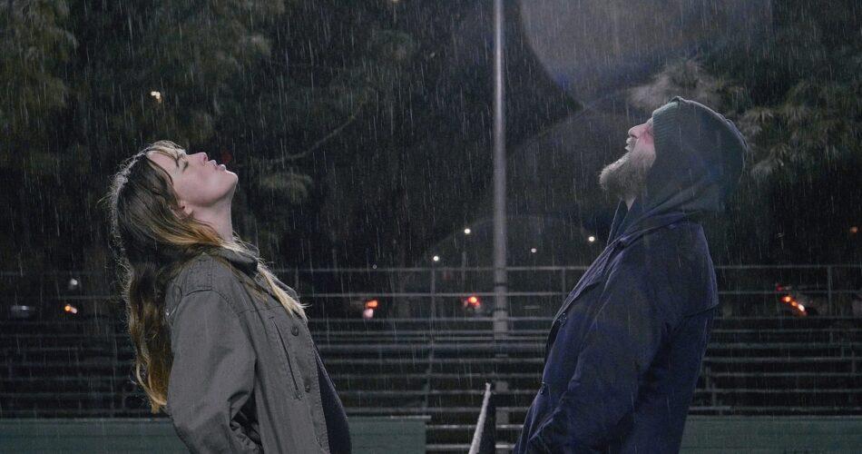 """Jess Weixler i Joshua Leonard w filmie """"Prawdziwie spełnieni"""" (reż. Joshua Leonard, 2020)"""