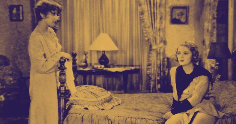 "Joan Blondell i Dorothy Mackaill w filmie ""Służbowa żona"" (reż. Lloyd Bacon, 1930)"