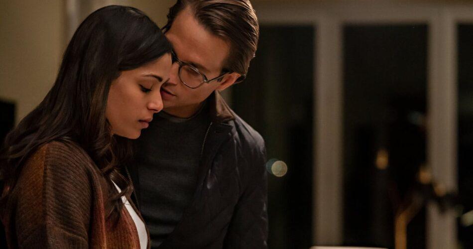 """Freida Pinto i Logan Marshall-Green w filmie """"Wtargnięcie"""" (reż. Adam Salky, 2021)"""